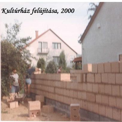 Kultúrház falazás 2000.jpeg